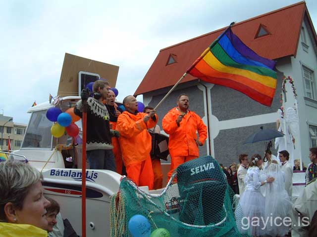 Pictures from Reykjvavik Gay Pride 2004